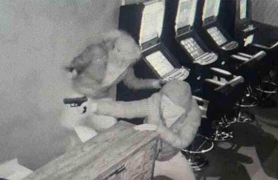 drumski razbojnici opljačkali djelatnicu kladionice