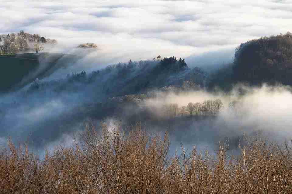 Magla smanjuje vidljivost na putnim pravcima kroz kotline i uz riječne tokove