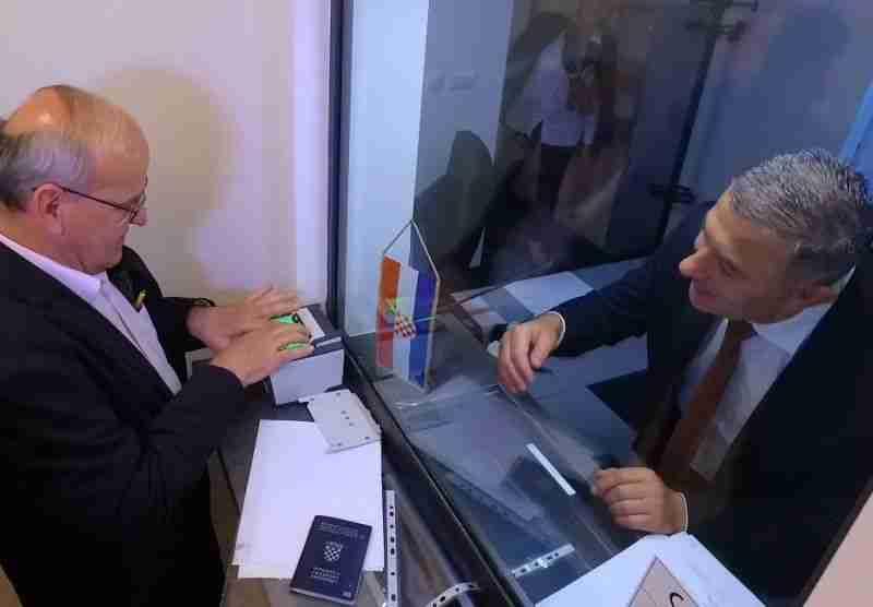 hrvatski konzulat u vitezu izdao upute o glasovanju