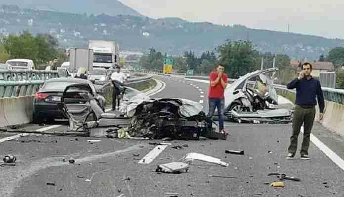 """povrijeđen vozač """"jette"""" u saobraćajnoj nesreći kod bosanske gradiške"""