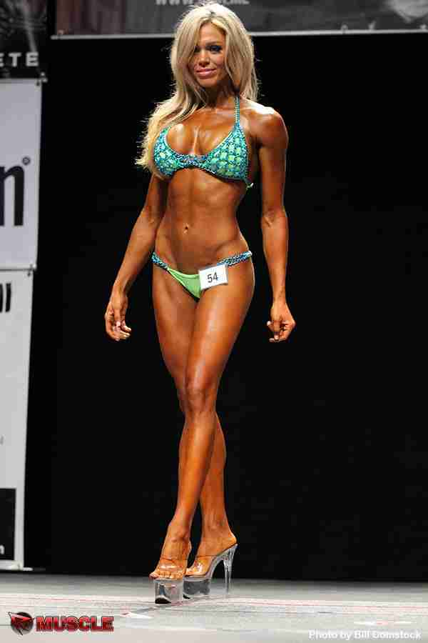 Image result for fitness model loni willison