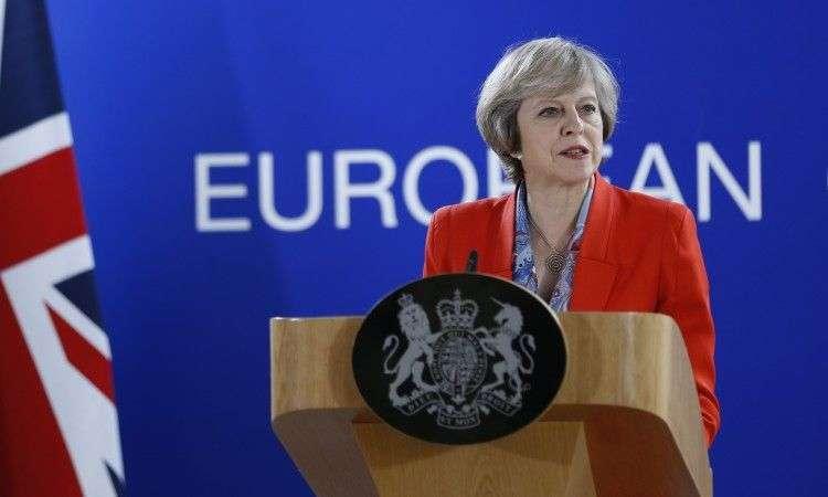britanska premijerka theresa may sutra objavljuje ostavku