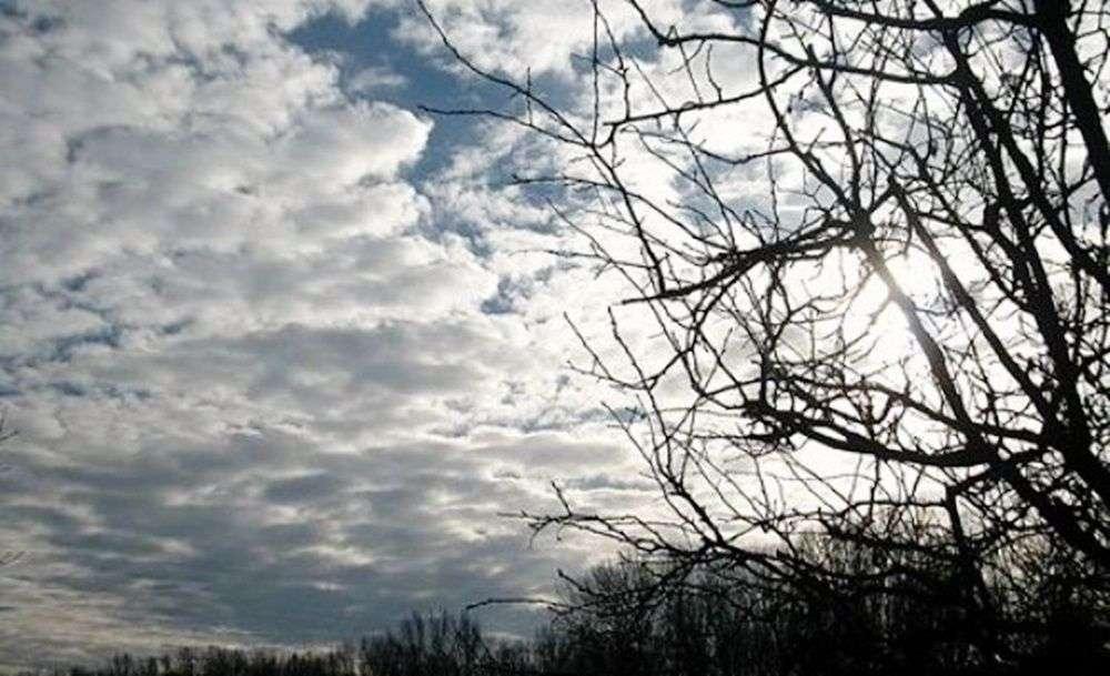 na sjeveru i istoku bosne sunčano, u hercegovini pretežno oblačno