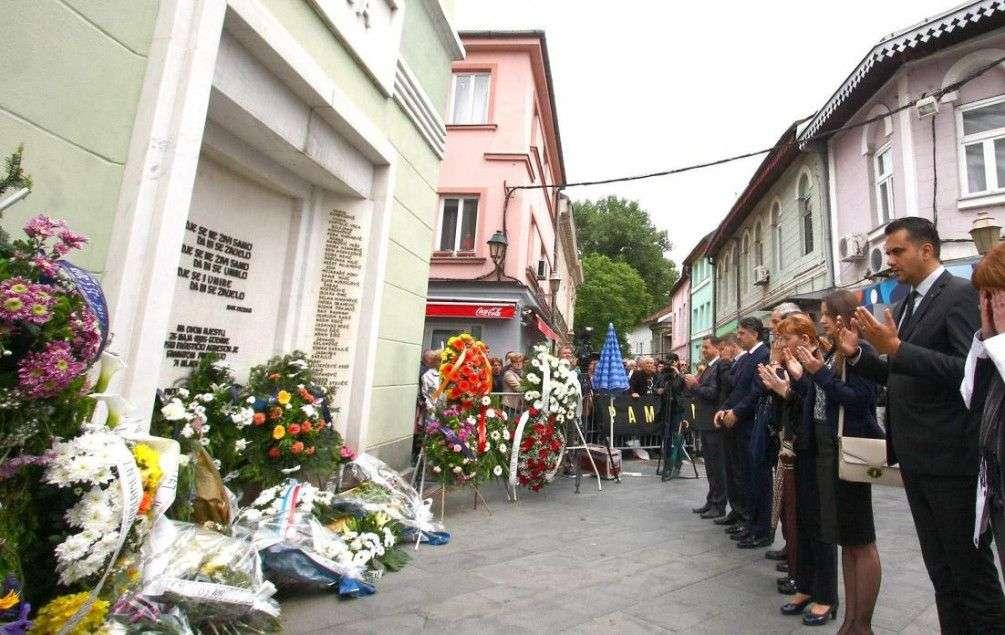 mujačić: sjećanja na dan zločina na kapiji ni nakon 24 godine nisu izblijedila