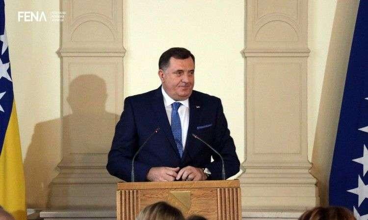 Dodik čestitao 1. maj: Institucije trebaju maksimalno poštovati radnička prava