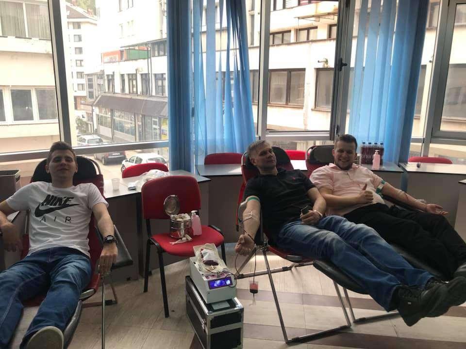 (FOTO/VIDEO) Medžlis IZ Travnik realizovao još jednu akciju darivanja krvi