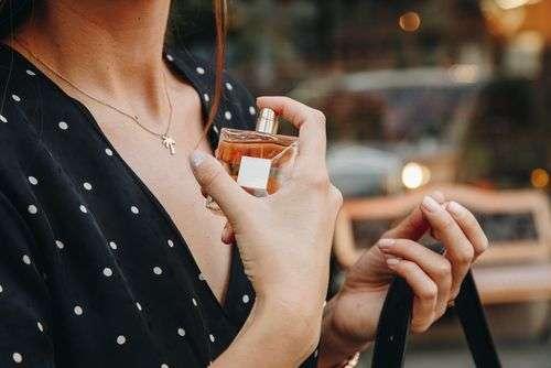 Kako najlakše prepoznati lažni parfem