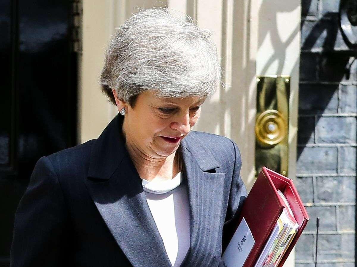 očekuje se da theresa may objavi datum ostavke