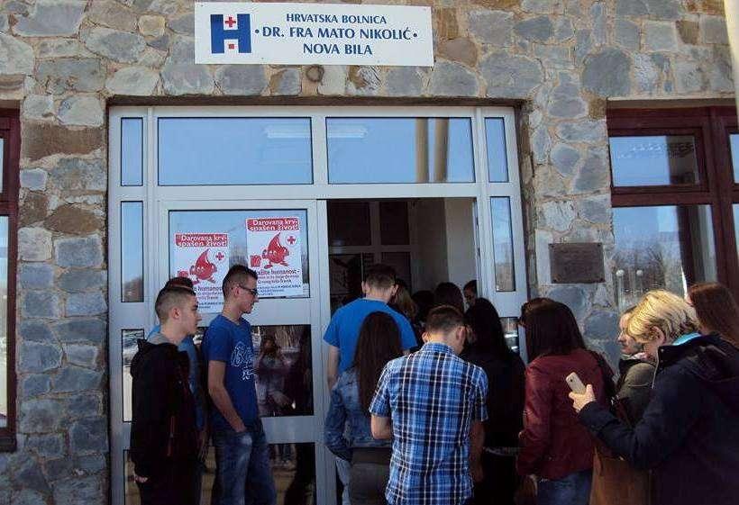 crveni križ travnik organizira akciju dobrovoljnog darivanja krvi