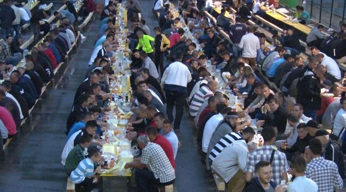 večeras u novom travnik iftar za preko 7.200 osoba