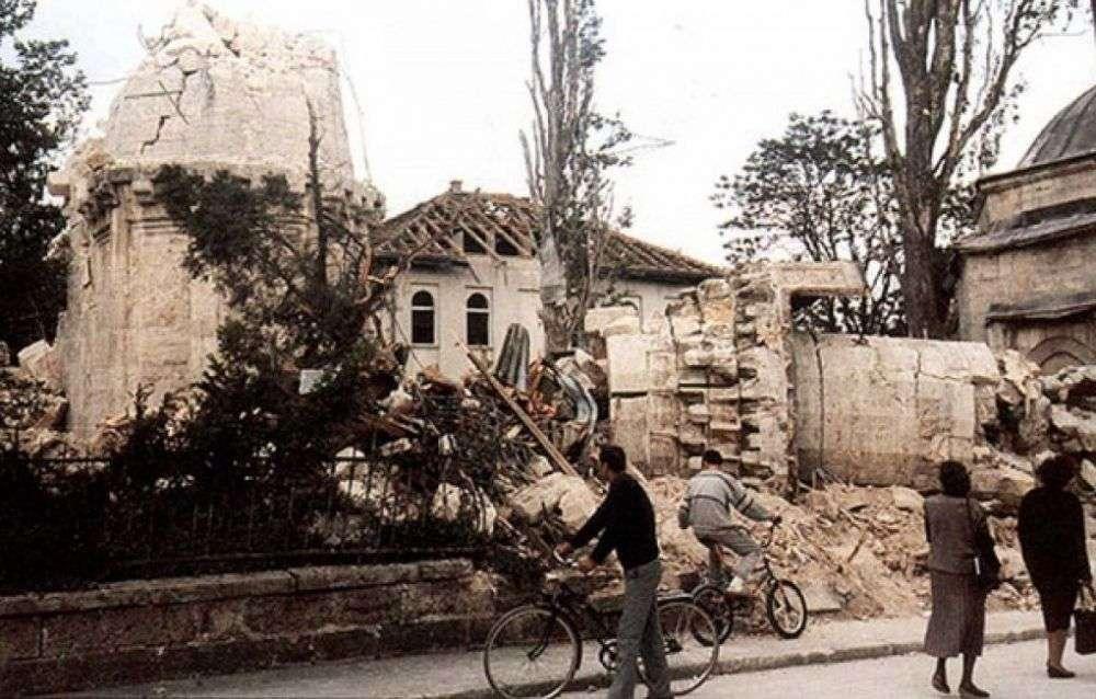 Na današnji dan do temelja porušena Ferhadija, simbol rušenja džamija u BiH