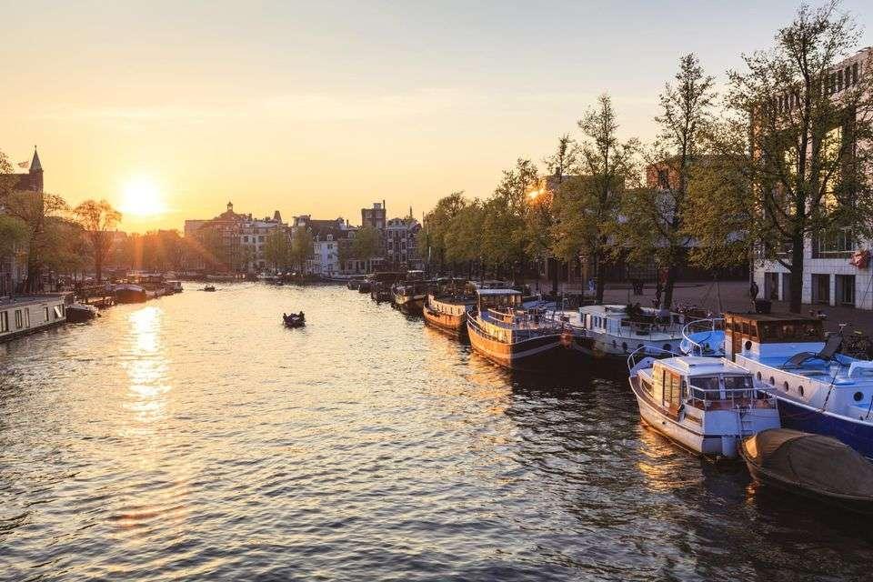 Amsterdam će od 2030. godine zabraniti vozila na fosilna goriva