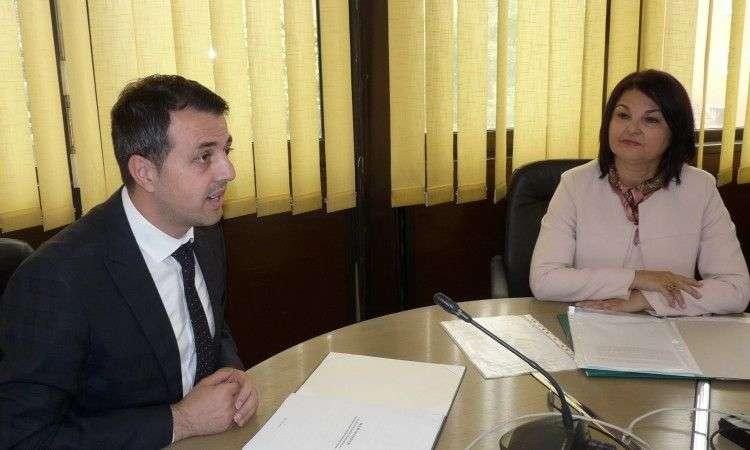 saradnja vlade zdk-a i pk na stvaranju povoljnog privrednog ambijenta