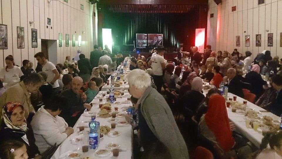 (foto/video) veliki zajednički iftar u travniku