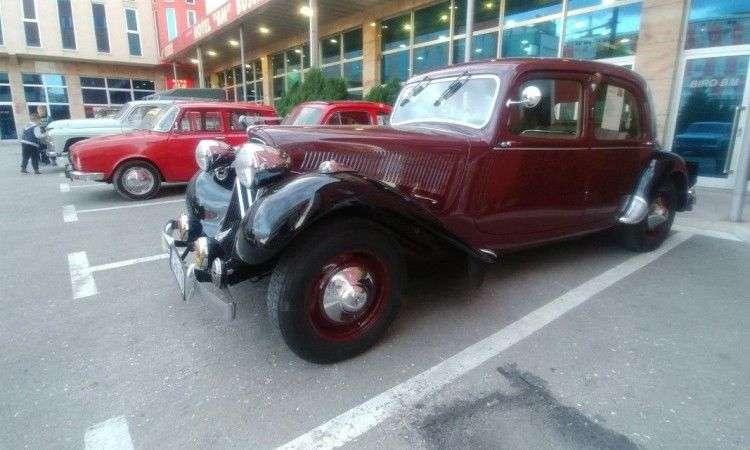 Smotra oldtimera u Sarajevu: 'Buick' iz 1928. godine najljepši po izboru građana