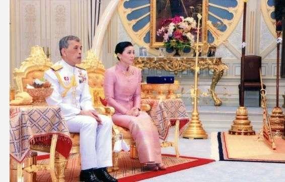 Tajlandski kralj oženio svoju tjelohraniteljicu