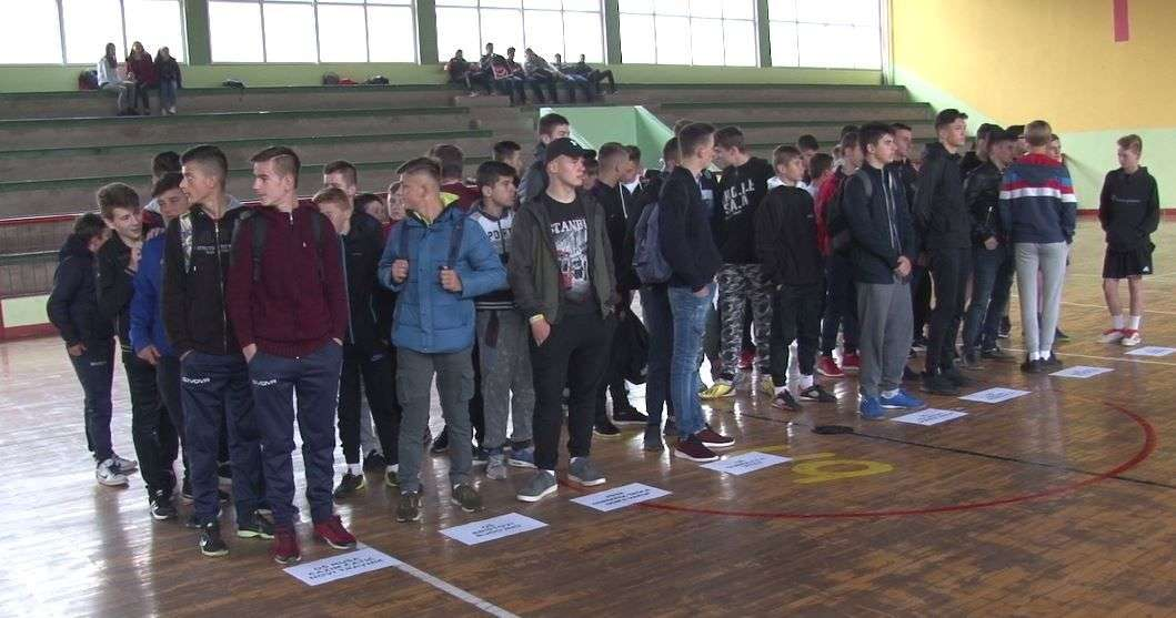 "(VIDEO) U OŠ ""Turbe""održan sportski turnir u organizaciju Instituta Yunus Emre"