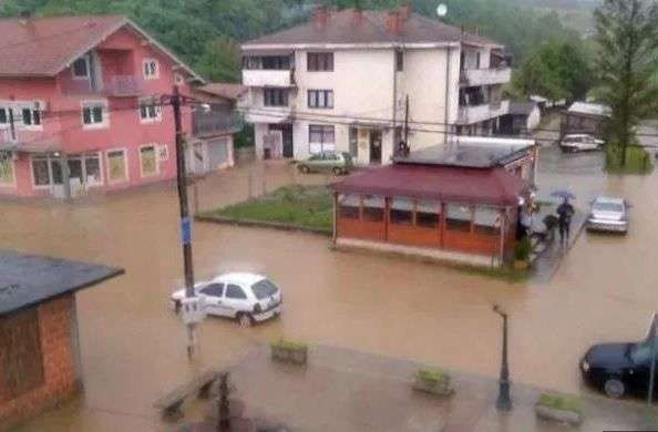 Kiša već donijela poplave u sjeverozapadnom dijelu BiH, najkritičnije u prijedorskim naseljima