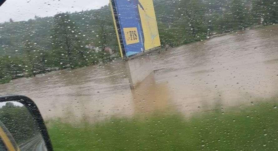 Izlila se Lašva: Nekoliko domaćinstava ugroženo na području srednje Bosne