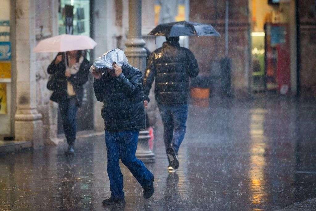 nastavlja se oblačno i nestabilno vrijeme uz kišu
