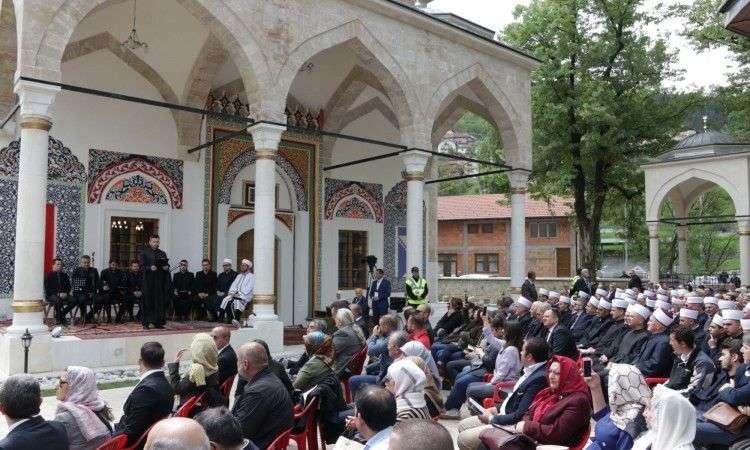 Počeo svečani program otvaranja Aladža džamije