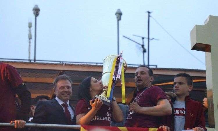 Hiljade navijača Sarajeva proslavlja titulu