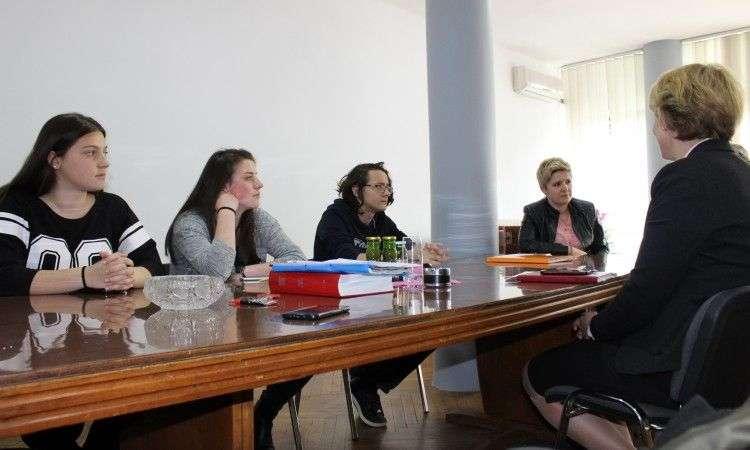 u travniku program za mlade 'ja, aktivista'