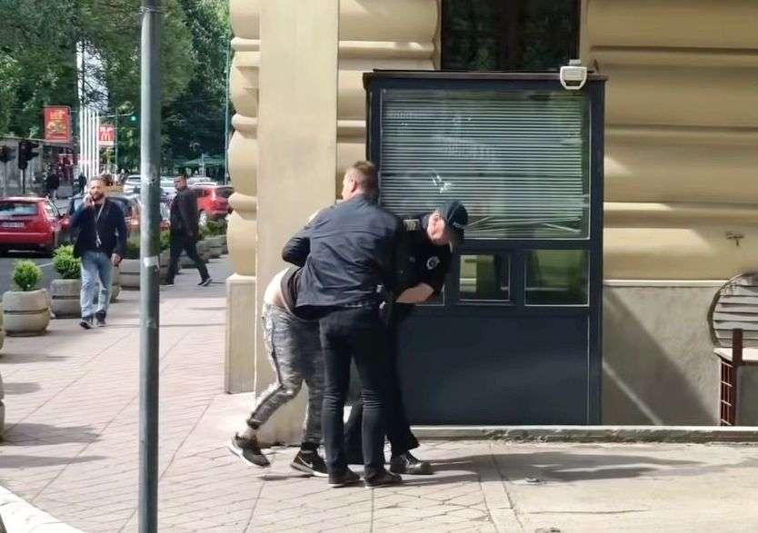 divljao automobilom, napao policajce: predložen pritovor 19- godišnjem jasminu bajiću...