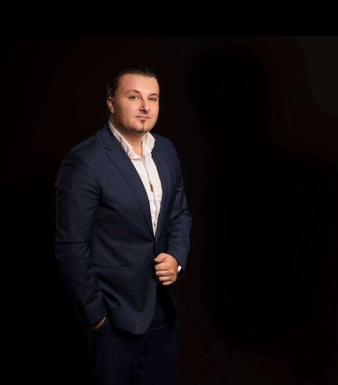 """kralj balada i fenomenalni pjevač: armin bijedić pjesmom """"samo rane"""" oduševio kolege i fanove"""