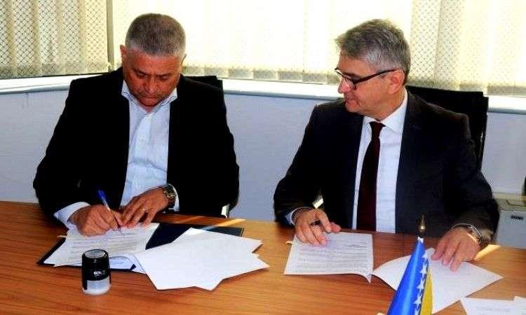 Bukvarević potpisao ugovore za pružanje pravne pomoći branilačkoj populaciji