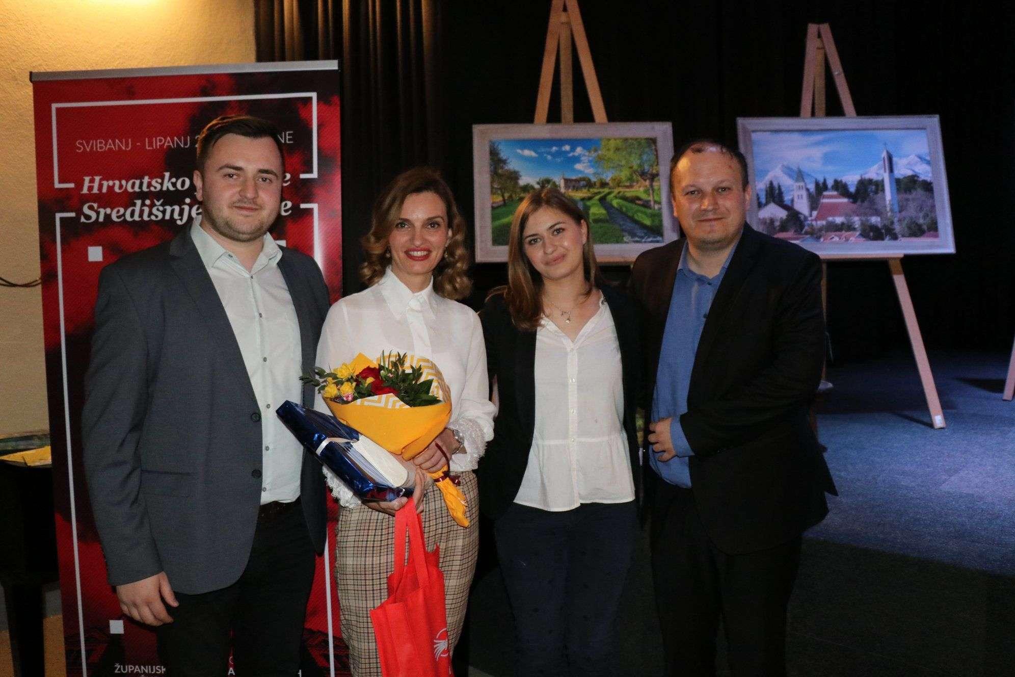 """""""hrvatsko proljeće"""" u travniku: održana izložba foto kluba fokus o ljubuškom"""