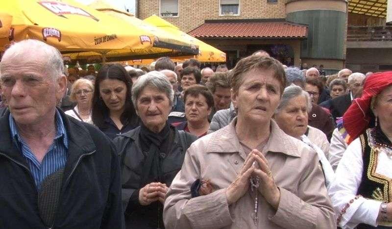 (video) stotine vjernika na proslavi spasova u novom travniku