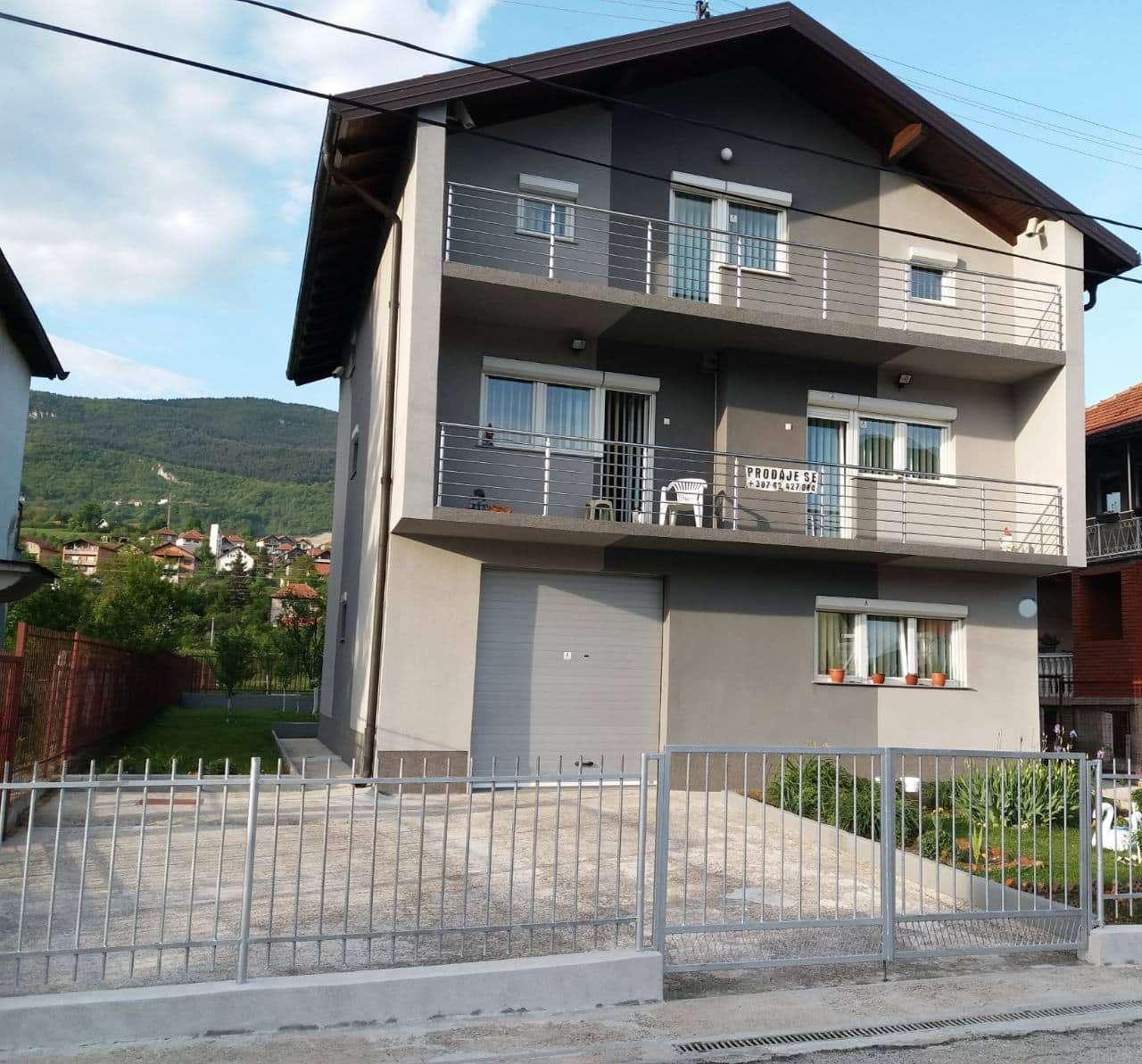 HITNO: Na prodaju renovirana i odmah useljiva kuća u Zenici