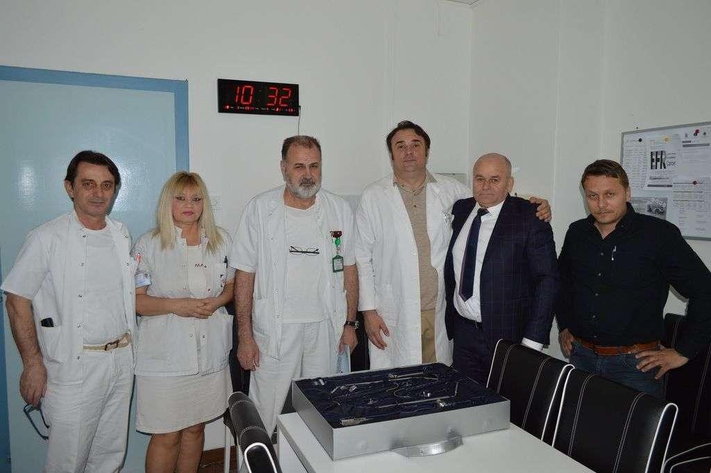 Kompanija Hifa Petrol donirala abdominalni retraktor UKC-u u Tuzli
