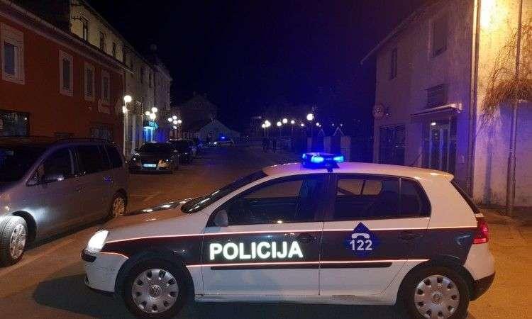 U automobilu u Livnu pronađeno beživotno tijelo