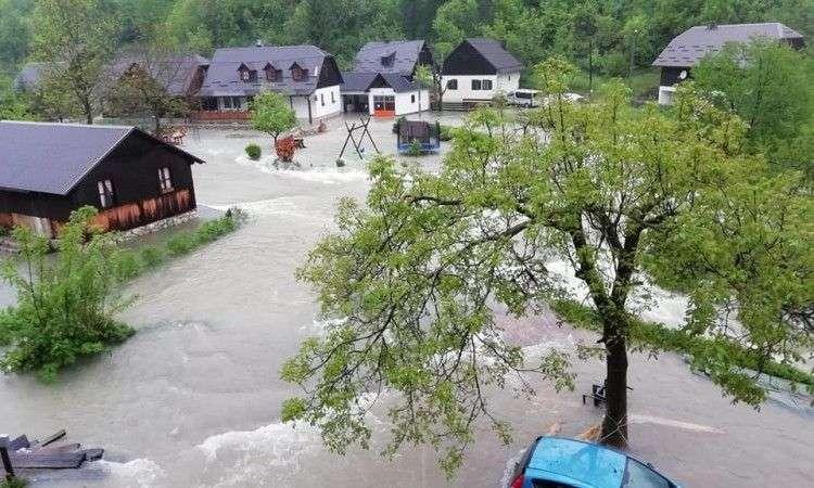 Vodostaji diljem Hrvatske u naglom su porastu, očekuju se i poplave