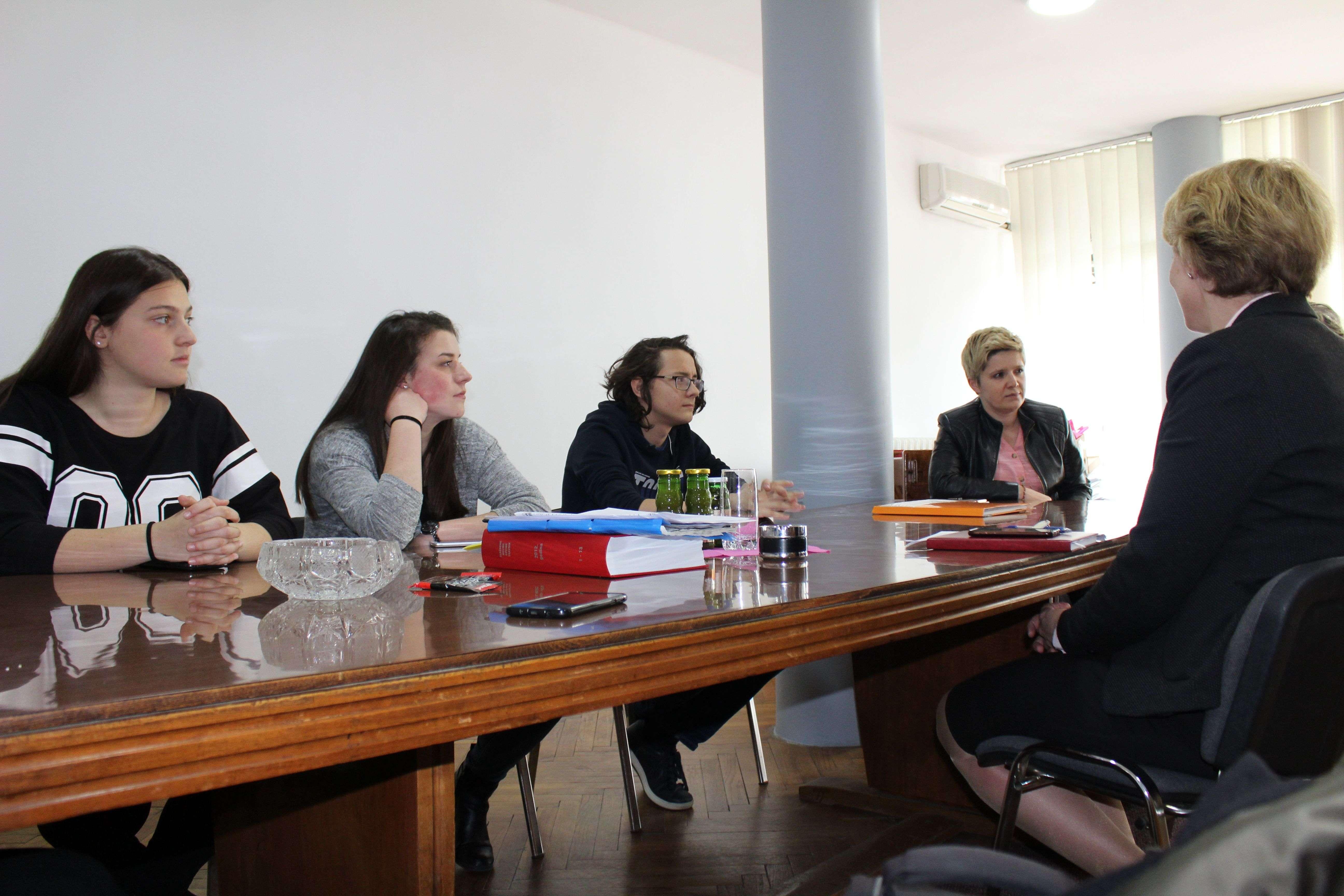 centar za edukaciju mladih započeo program građanskog aktivizma za mlade