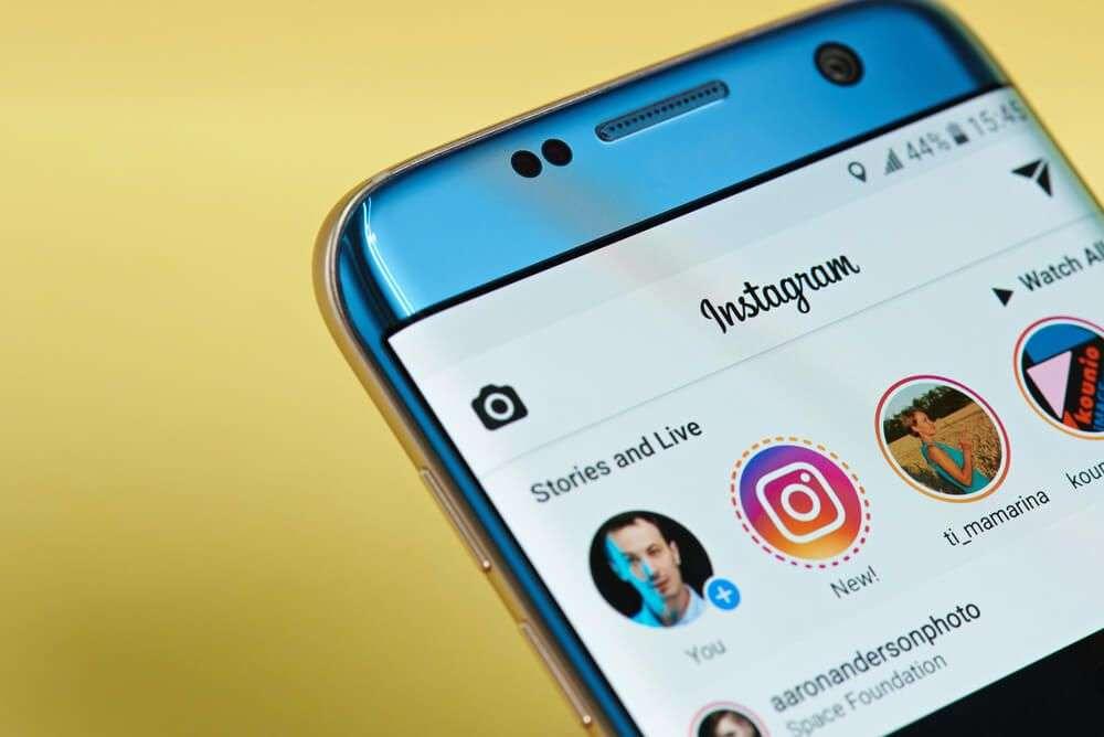 Šta da radite kada vas šef zaprati na Instagramu