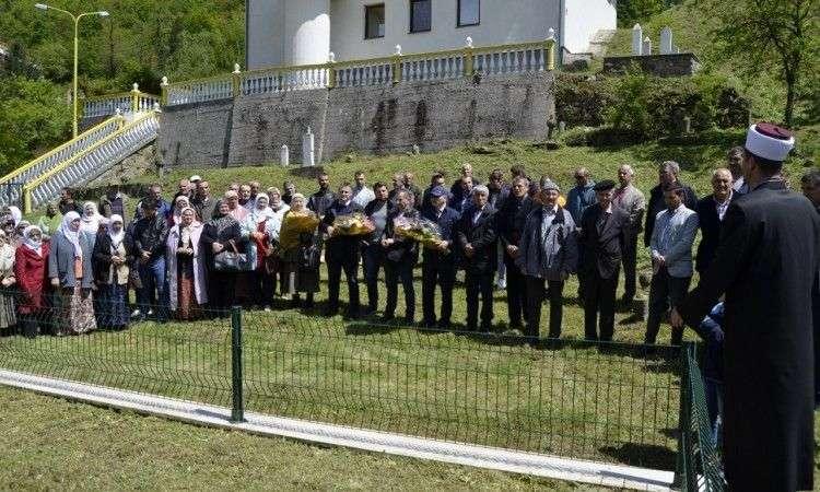 Obilježena 27. godišnjica zločina nad civilima u Srebrenici