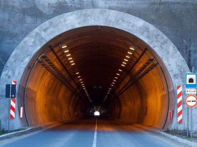 apel građanima da ne prave selfije u tunelima srbije