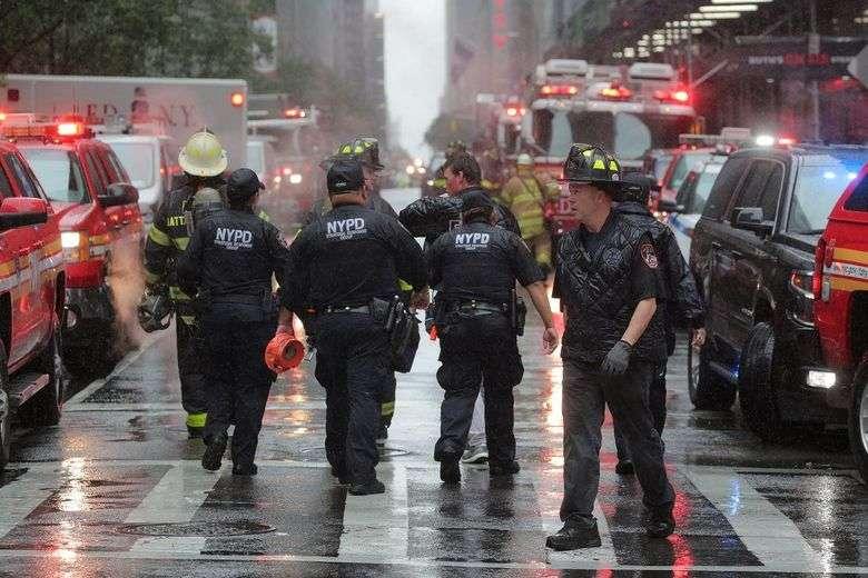 drama u new yorku/ helikopter se srušio na neboder