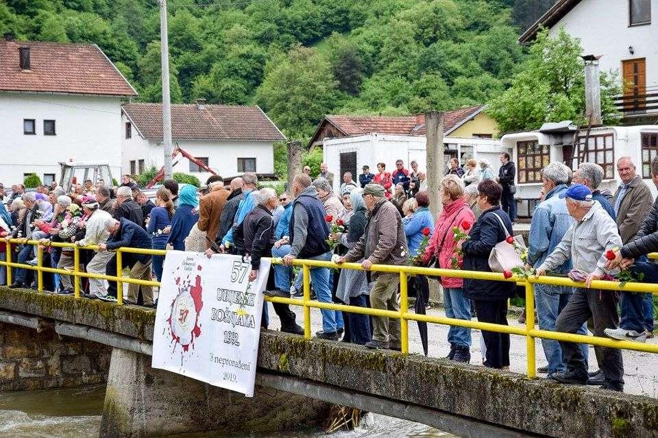 obilježena 27.gdišnjica stradanja u jezeru, ljoljićima i čerkezovićima