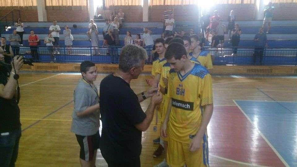 (foto/video) završen 13. međunarodni košarkaški turnir u travniku