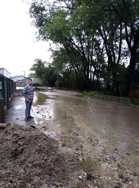 kiša napravila velike probleme za mještane dolca na lašvi u travniku! (foto + video)