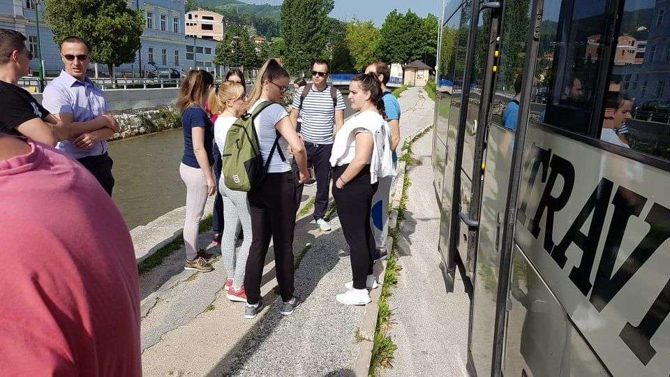 "(foto/video) tradicionalno pješačenje ""s nama na putu do zdravlja"" krenulo iz travnika"