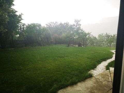 veliko nevrijeme u travniku/ jaka kiša praćena gradom stvorila probleme građanima! (foto+video)