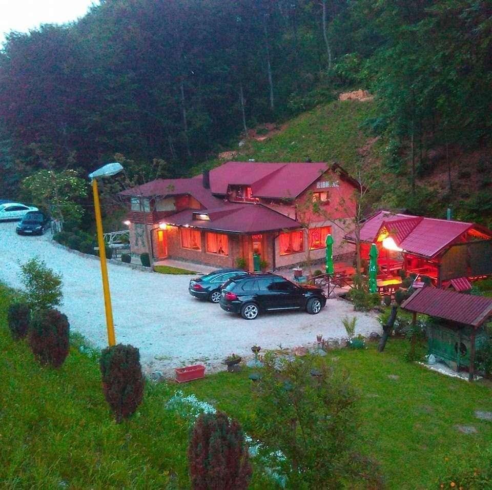 """(foto) raj na zemlji: etno-restoran """"ribnjak"""" mjesto za savršen objed i druženje!"""