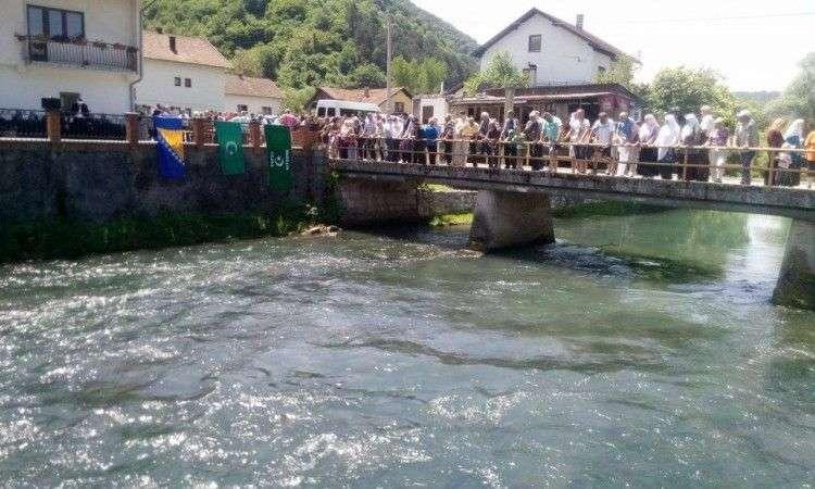obilježavanje 27. godišnjice stradanja bošnjaka u jezeru kod jajca