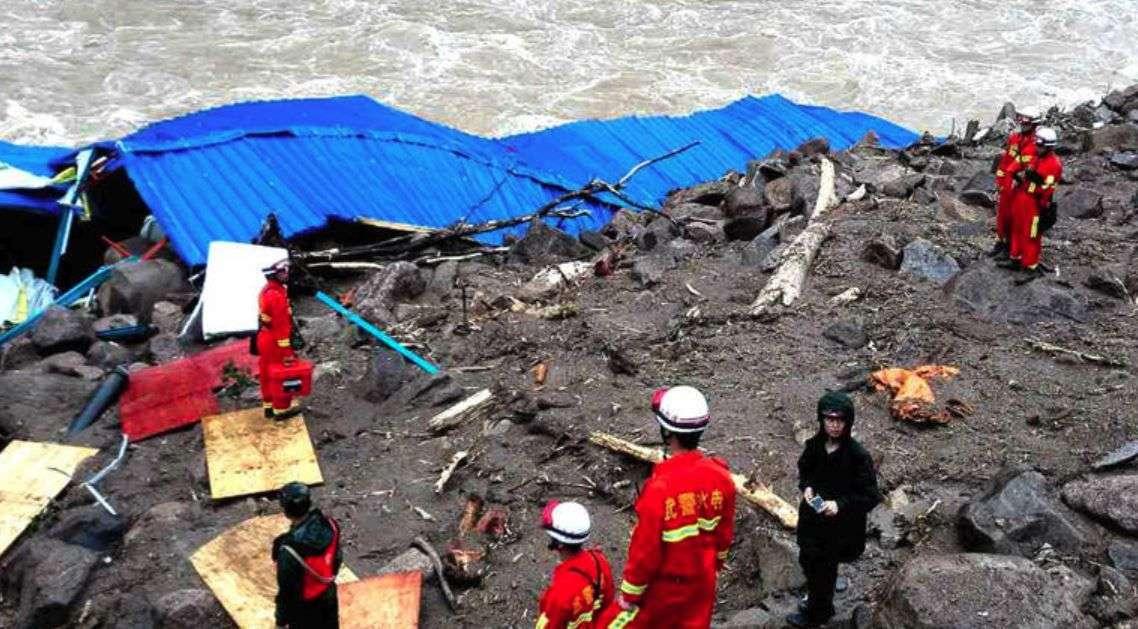 katastrofa u kini/ u poplavama i klizištima 60 mrtvih