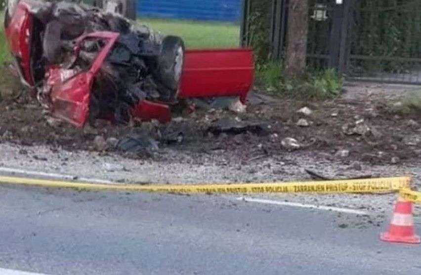u teškoj saobraćajnoj nesreći poginuo 23-godišnji mladić
